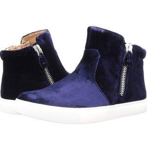 Women's Carole Double Zip Mid-top Sneaker Size 9